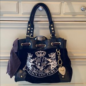Juicy Couture | black classic velvet purse